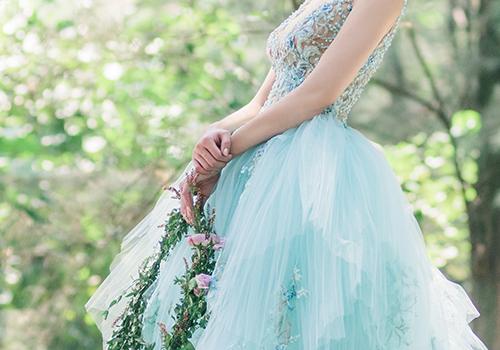 2020 - 艾薇時尚精品婚紗,台中網頁設計、台中網站設計公司推薦、SEO、RWD、響應式網站設計